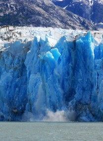 An ice fall on Dawes Glacier